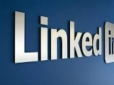 LinkedIn cashes in where Facebook picks up loose change